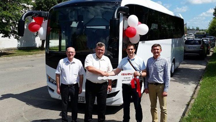 Panevėžiečiai įsigijo naują turistinį autobusą