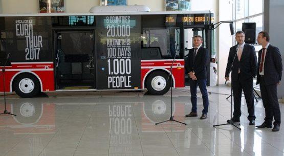 """""""2017-ųjų ISUZU EURO TURO"""" atidaryme – nauji autobusai ir ekstremalūs bandymai"""