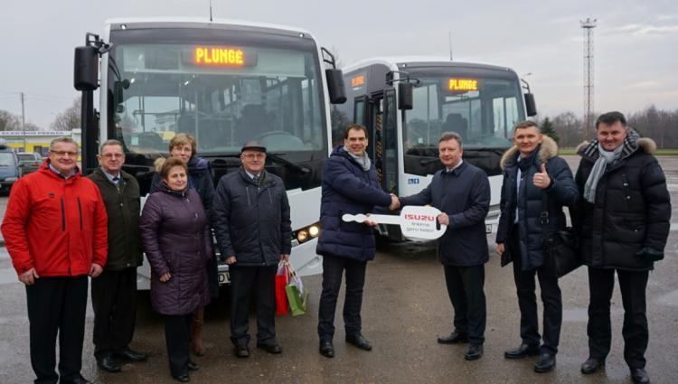 Plungės autobusų parke – dar du nauji ISUZU markės autobusai