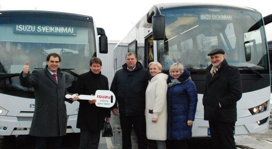 Akmenei du nauji ISUZU autobusai
