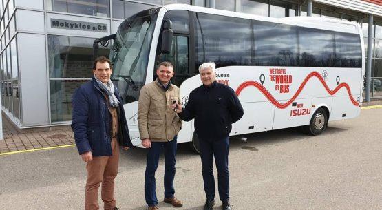 ISUZU autobusai pradėjo savo kelionę